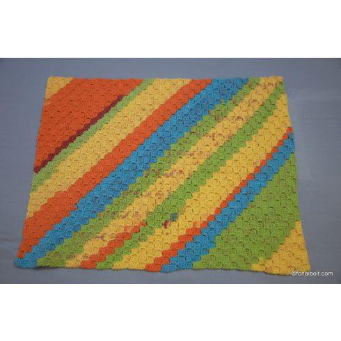 Babatakaró vidám színekkel